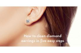 So reinigen Sie Diamantohrringe in fünf einfachen Schritten