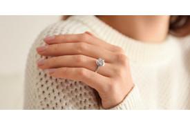 Der perfekte Verlobungsring: Gold oder Silber?