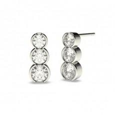 Runde Diamant Kronleuchter Ohrringe in einer Halbzargenfassung