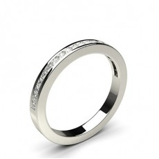 Halb Eternity Diamant Ring in einer Kanalfassung