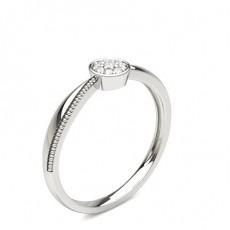 Runder Diamant Cluster Ring in einer Pavéfassung